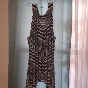 Avenue black and white striped tunic size 26/28